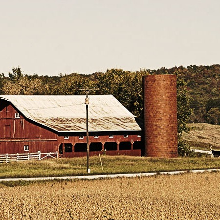 Photoshop image of red barn