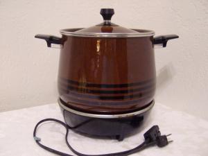 Vintage crock pot