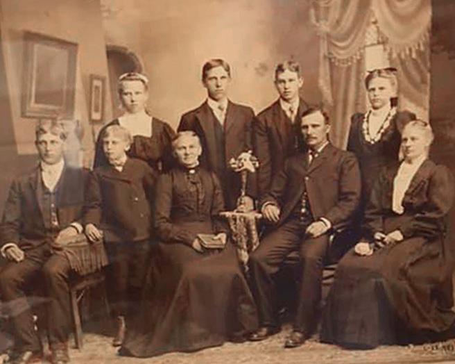 grandpa ehlmann family 050720 72dpi lighten